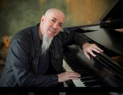 「夢劇場之鍵盤巫師 Jordan Rudess 大師班」Special Guest:陳玫穎